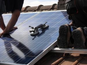 solar-panels-944002_640